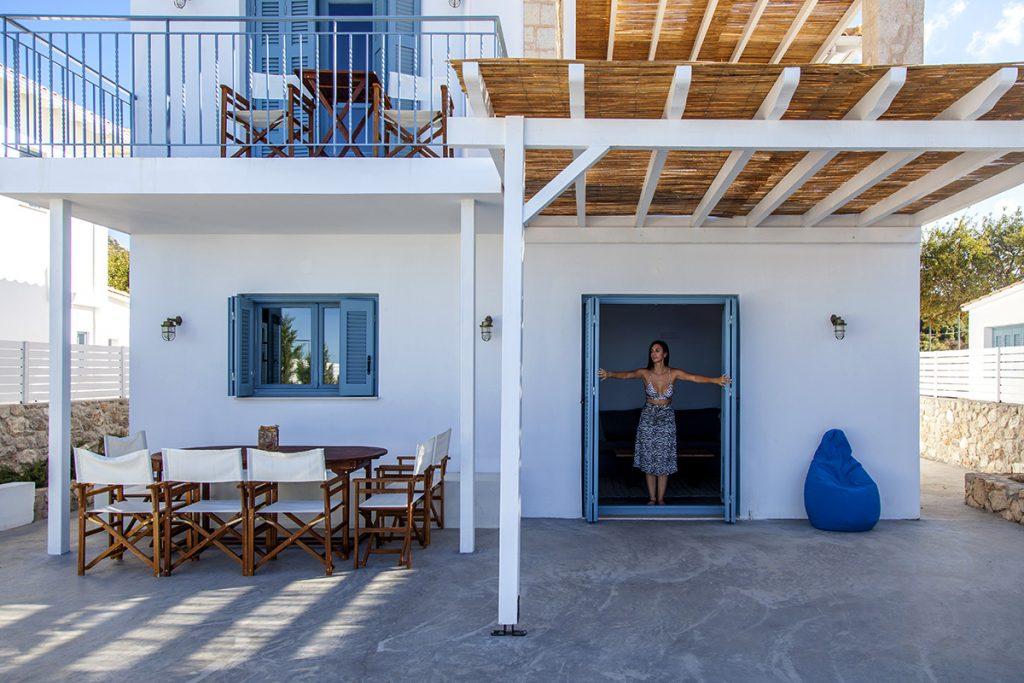 villa-sunset-kalamitsi-lefkada-greece-traditional-greek-style