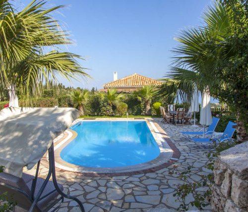Villa-aliki-in-tsoukalades-lefkada-greece-with-private-pool-and-garden