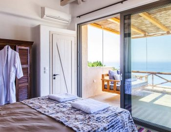 Bedroom 3: With swing on the balcony