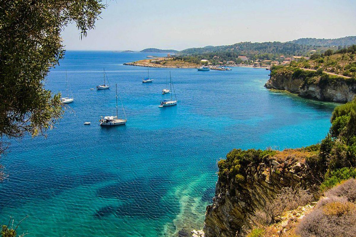 kastos-island-ionian-sea-sailing-boats