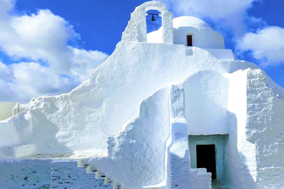 traditional-orthodox-greek-church-in-mykonos-greece