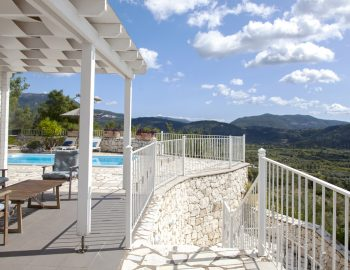 vasiliki-cottages-villa-afteli-lefkada-greece-front-end-with-seating-areas