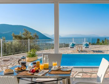vasiliki-cottages-villa-katsiki-adults-only-accommodation-greece-outdoor-dining-with-breakfast-next-to-private-pool