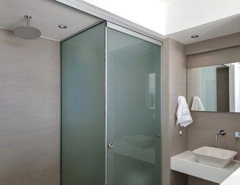 villa-achilles-sunset-sivota-epirus-greece-family-bathroom.jpg