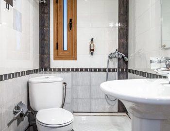 villa-agios-ioannis-lefkada-greece-accommodation-bathroom-with-shower.jpg
