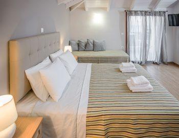 villa-agios-ioannis-lefkada-greece-accommodation-loft-style-master-bedroom-with-balcony.jpg