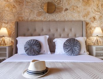 villa-alexandros-tsoukalades-lefkada-greece-bedroom-luxury