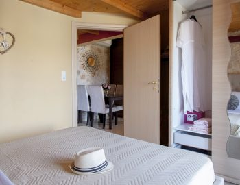villa-alexandros-tsoukalades-lefkada-greece-bedroom-with-wardrobe