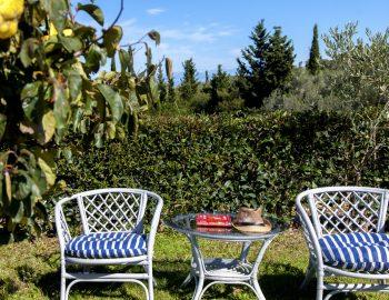 villa-alexandros-tsoukalades-lefkada-greece-traditional-outdoor-seating-with-garden