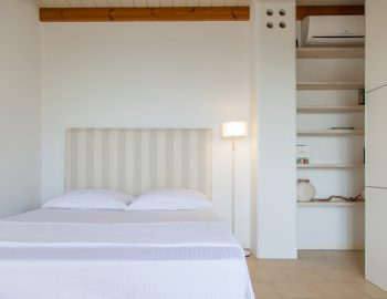 villa-amadeus-poros-lefkada-greece-double-bedroom