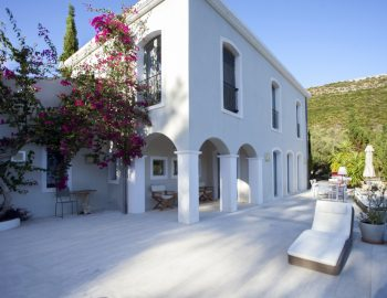 villa-amadeus-poros-lefkada-header-photo
