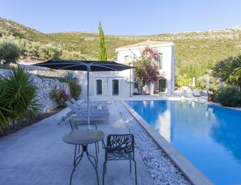 villa-amadeus-poros-lefkada-private-pool-area-with-seating