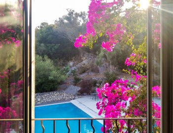 villa-amadeus-poros-mikros-gialos-lefkada-greece-upstairs-bedroom-pool-view
