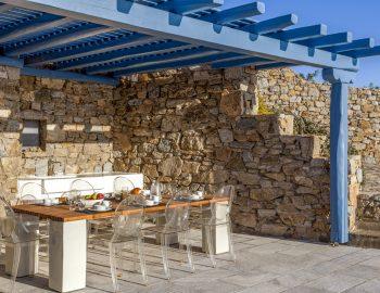 villa-amvrosia-agios-lazaros-mykonos-greece-outdoor-dining-with-bbq