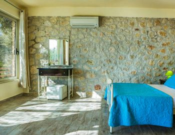 villa-anemus-sivota-lefkada-greece-master-bedroom