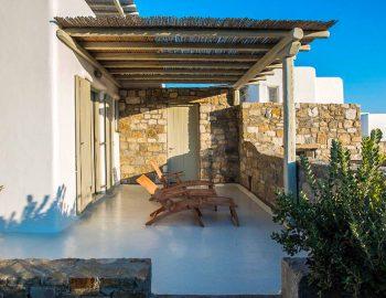 villa-assa-mykonos-greece-cyclades-islands-sun-loungers