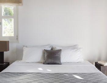 villa-athina-agios-lazaros-mykono-greece-double-bedroom