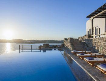 villa-athina-agios-lazaros-mykono-greece-infinity-pool