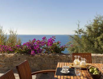 villa-athina-agios-lazaros-mykono-greece-outdoor-coffee-table