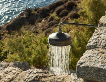 villa-athina-agios-lazaros-mykono-greece-outdoor-feature-shower