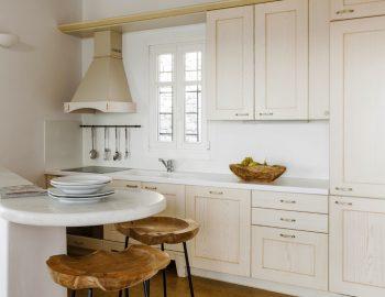 villa-dafni-agios-lazaros-mykonos-greece-fully-equipped-kitchen