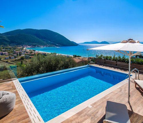villa-drakatos-mare-vasiliki-lefkada-pool-with-sunbeds