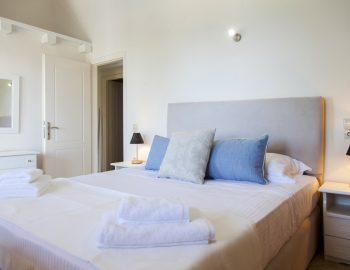 villa-endless-blue-kalamitsi-lefkada-greece-bedroom