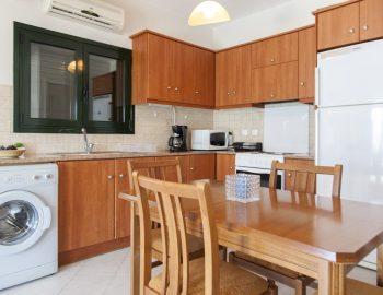 villa-endless-blue-kalamitsi-lefkada-greece-dining-with-kitchen