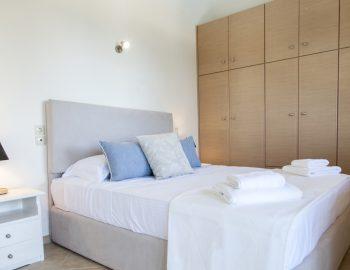 villa-endless-blue-kalamitsi-lefkada-greece-double-bedroom