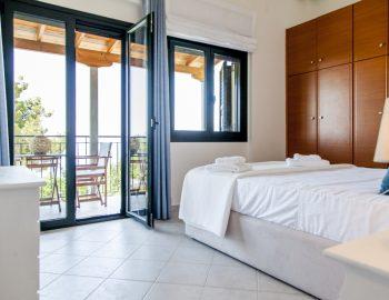 villa-endless-blue-kalamitsi-lefkada-greece-double-bedroom-upstairs