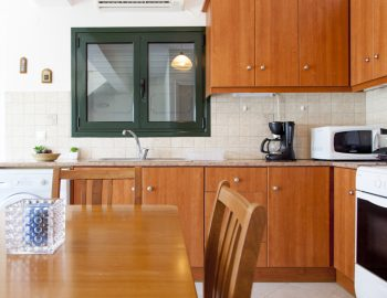 villa-endless-blue-kalamitsi-lefkada-greece-kitchen-area