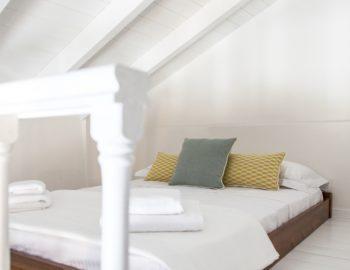 villa-endless-blue-kalamitsi-lefkada-greece-upstairs-loft-style-bedroom