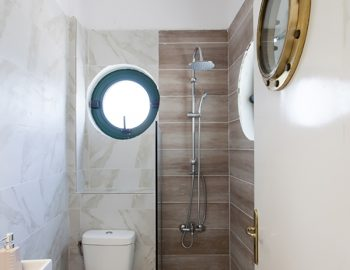 villa-ferry-boat-geni-lefkada-greece-bathroom-toilet-shower