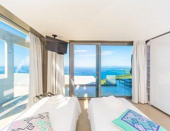 villa-glass-sivota-euripus-bedroom-twin