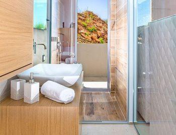 villa-glass-sivota-euripus-toilet-bathroom
