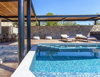villa-idanos-dessimi-lefkada-greece-poo-area-with-seating