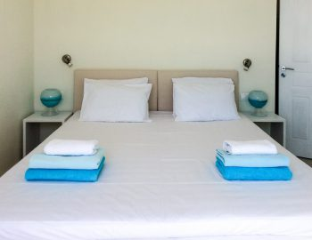 villa-ionian-pearl-vasiliki-lefkada-greece-double-bedroom-coco-mat