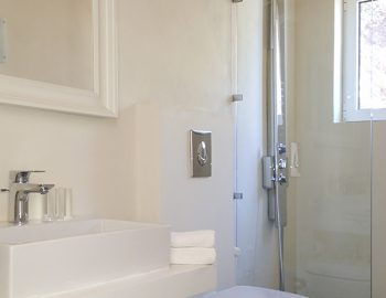 villa-ionian-pearl-vasiliki-lefkada-greece-family-bathroom-with-shower