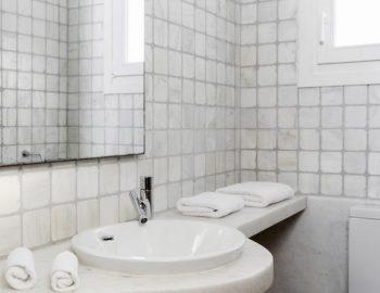 villa-irene-agios-lazaros-mykonos-greece-bathroom