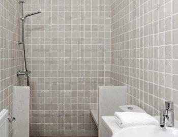 villa-irene-agios-lazaros-mykonos-greece-bathroom-with-shower