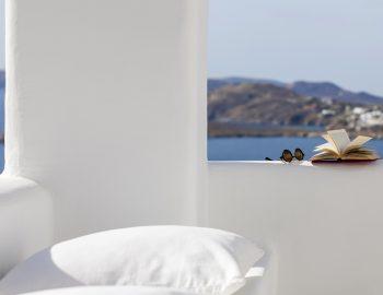 villa-irene-agios-lazaros-mykonos-greece-white-washed-walls