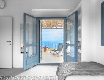 villa-klearista-kalamitsi-lefkada-greece-twin-bedroom-sea-view