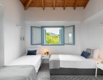 villa-klearista-kalamitsi-lefkada-greece-upstairs-twin-bedroom