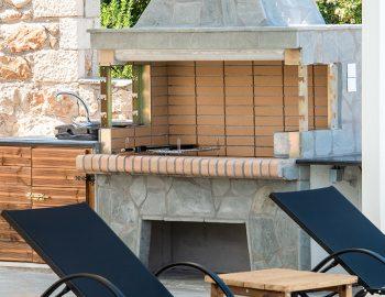 villa-loulou-nikiana-lefkada-barbeque-facilities-sun-decks