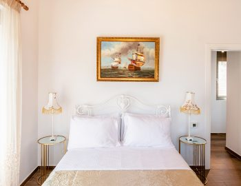 villa-loulou-nikiana-lefkada-double-bed-bedroom