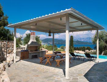 villa-loulou-nikiana-lefkada-exterior-sun-shade-bbq-facilities