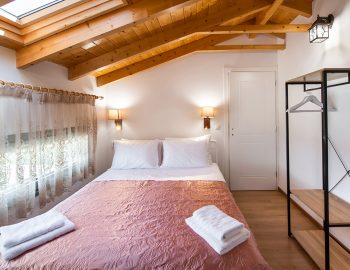 villa-loulou-nikiana-lefkada-private-luxury-bedroom