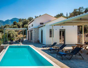 villa-loulou-nikiana-lefkada-private-pool-property-building