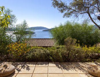 villa-mimoza-nidri-lefkada-luxury-accommodation-greece-main-bedroom-living-area-view