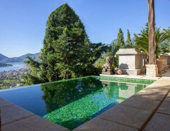 villa-mimoza-nidri-lefkada-luxury-accommodation-greece-master-bedroom-prive-pool